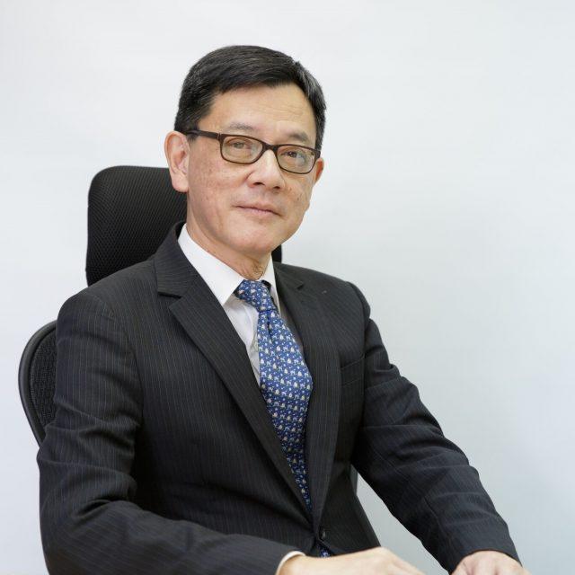 Pau Kin Yuen, Louis